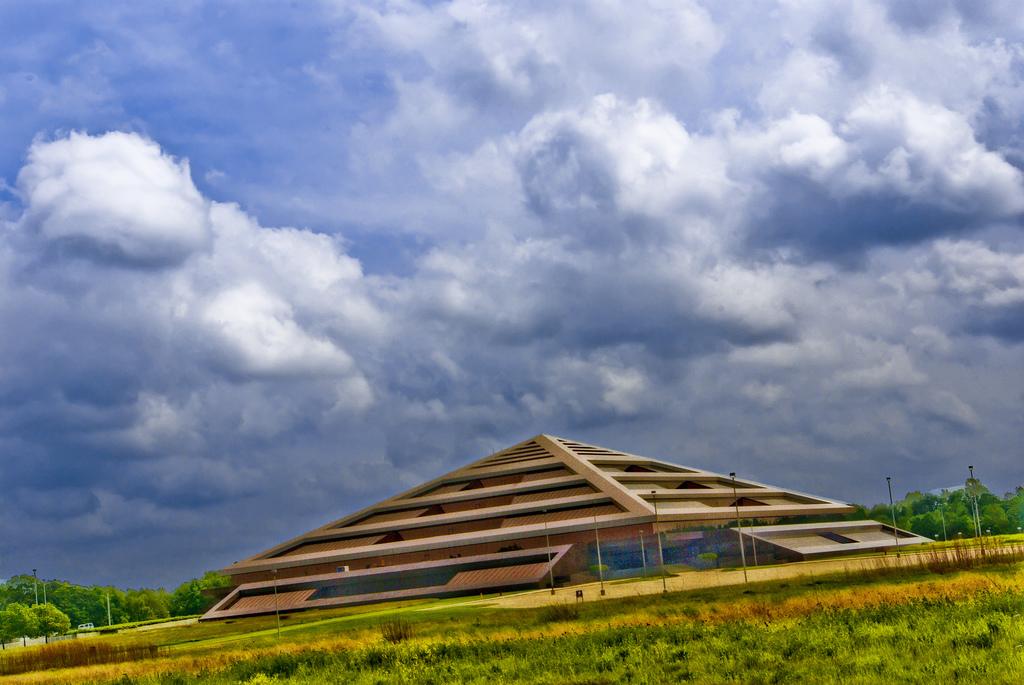 Steelcase Pyramid Image 3