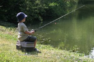 kid-fishing-2